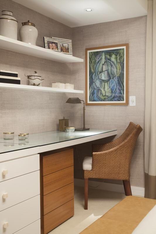 Escrivaninha para quarto com gaveteiro de madeira Projeto de Meyer Cortez