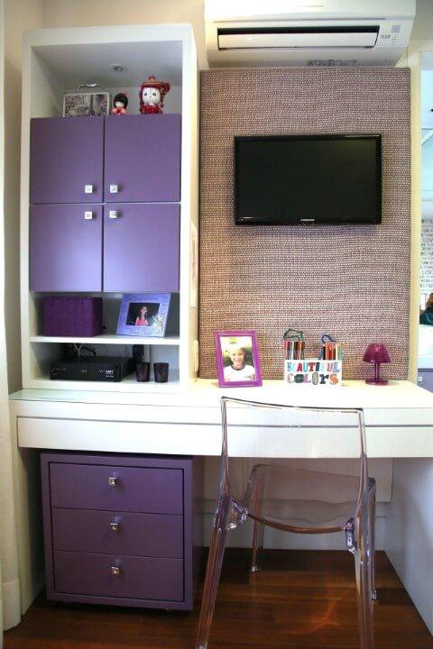Escrivaninha para quarto de menina roxa Projeto de Meyer Cortez