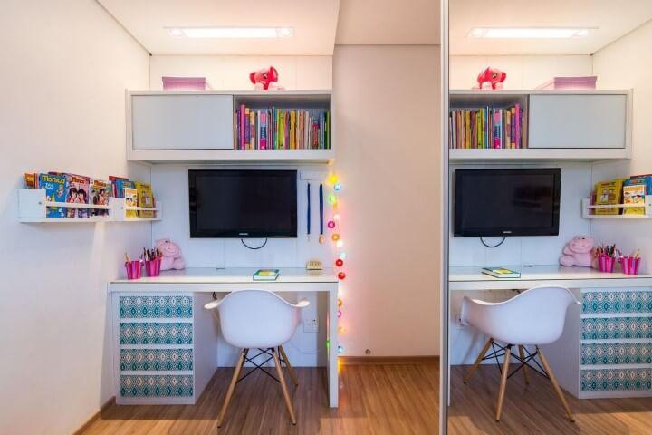 Escrivaninha para quarto infantil com nichos Projeto de Buji