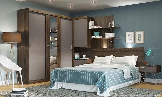 Quarto de casal planejado com guarda-roupa com uma porta de espelho Projeto de Lojas KD