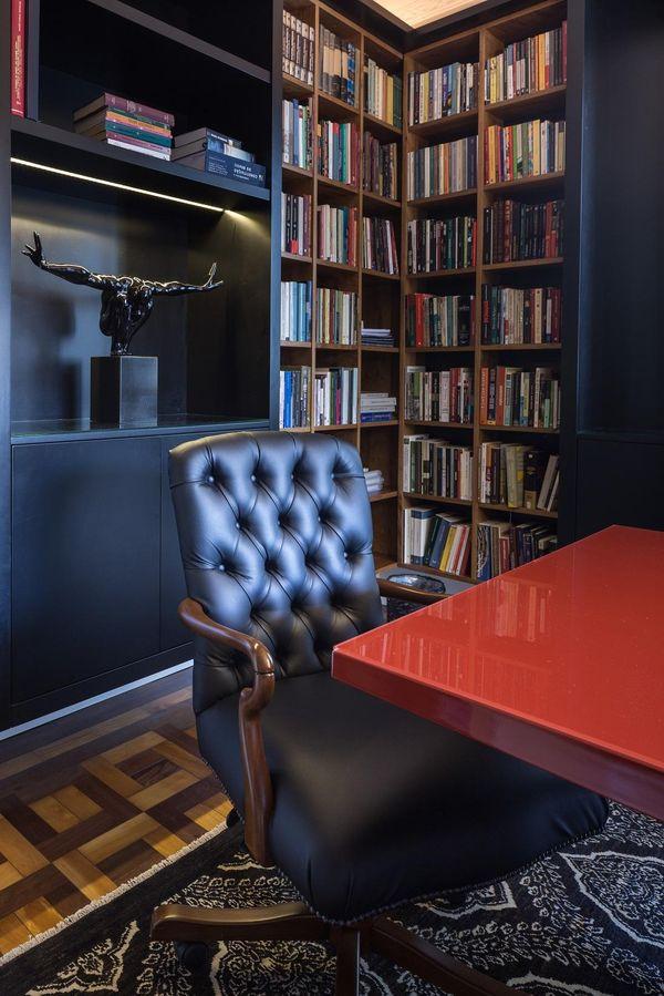 cores de casas escritorio com moveis pretos