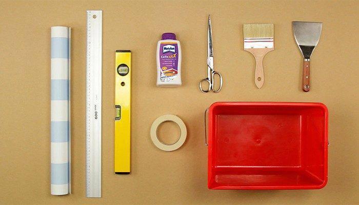 como colocar papel de parede materiais