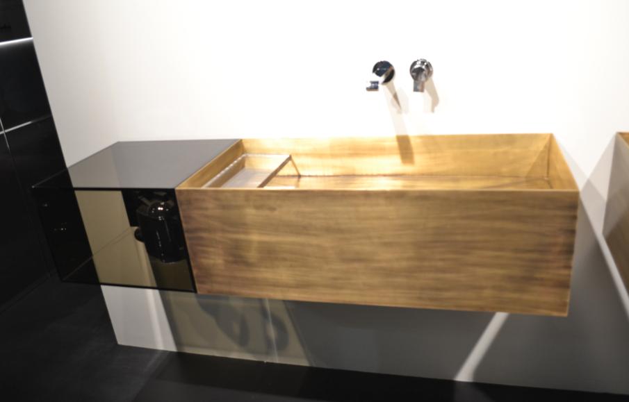 Feira de Milão lavabo de madeira