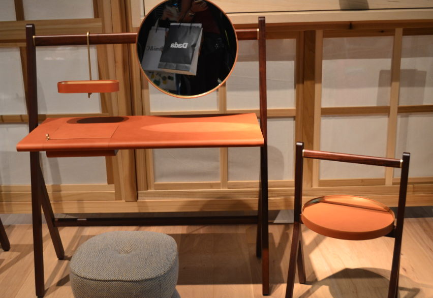 Feira de Milão moveios de madeira