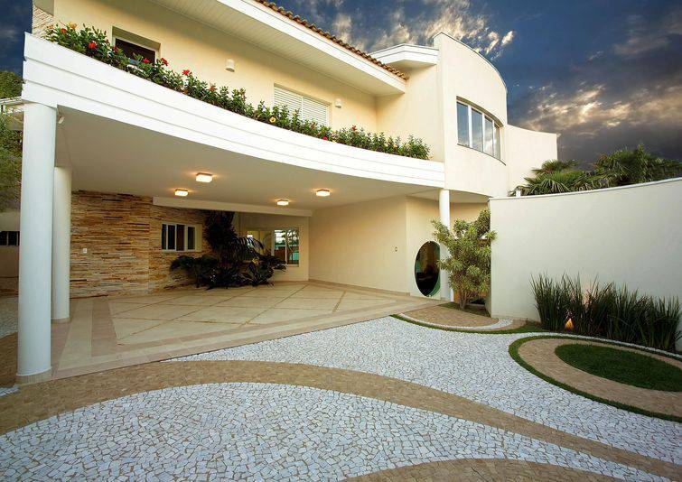 100 modelos de casas para inspirar o seu projeto for Modelo de casa x dentro
