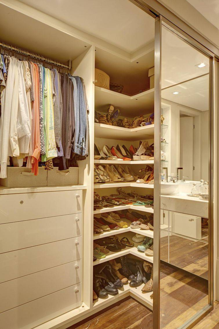 modelo de closet com penteadeira pictures to pin on