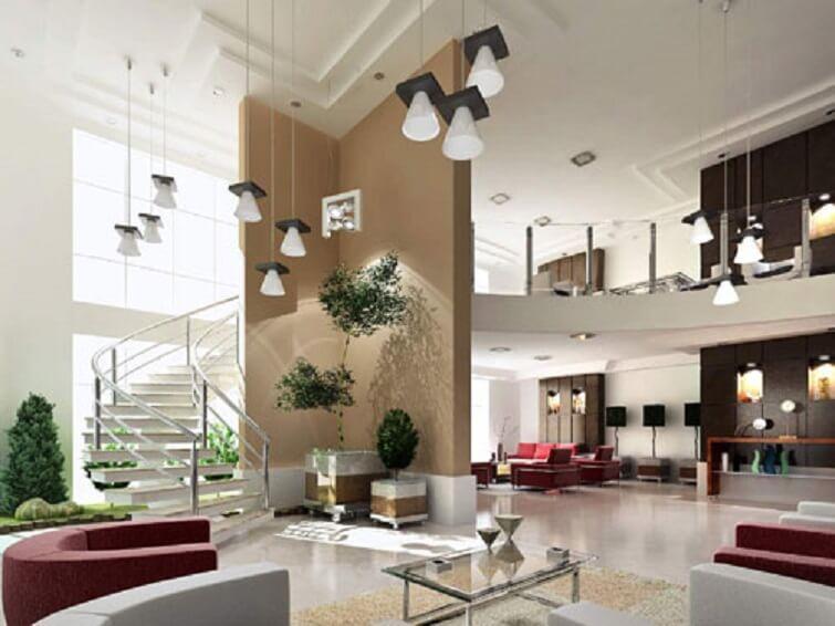 Mezanino em sala grande