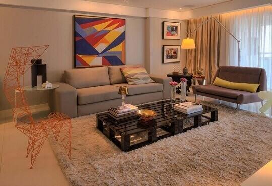 Quadros para sala coloridos em tamanhos diferentes Projeto de Rodrigo Maia