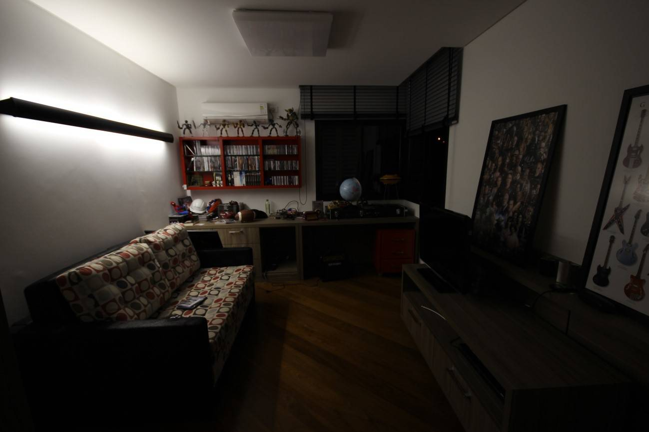 iluminação para quarto de casal com arandela linear