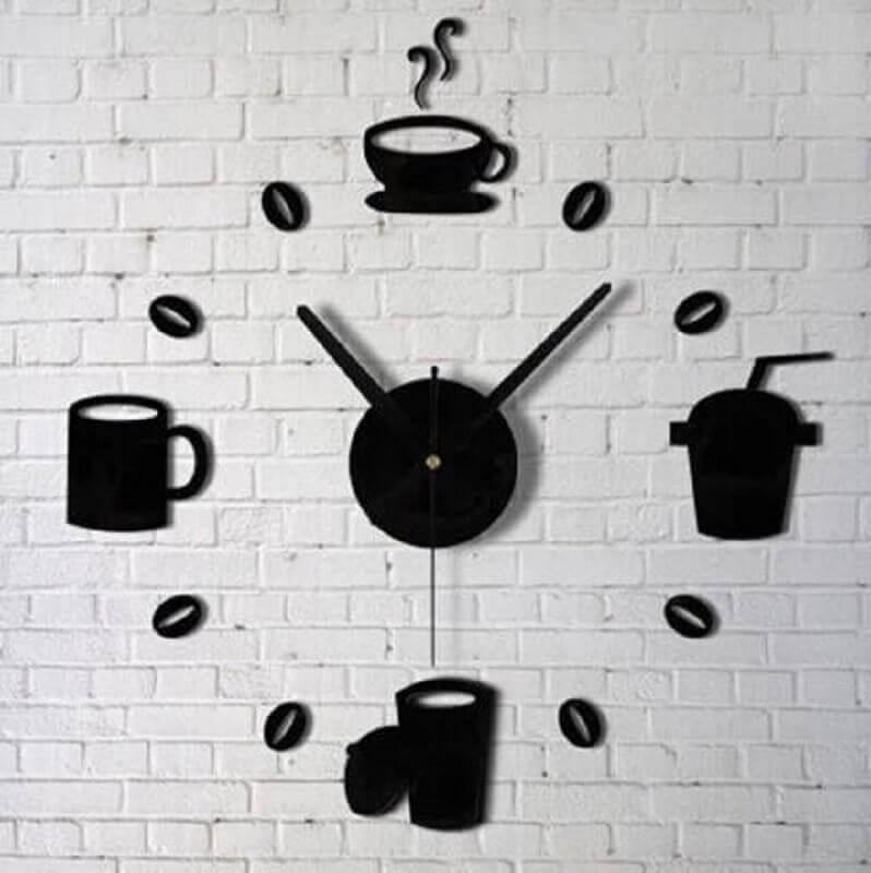 relógio como enfeite para cozinha