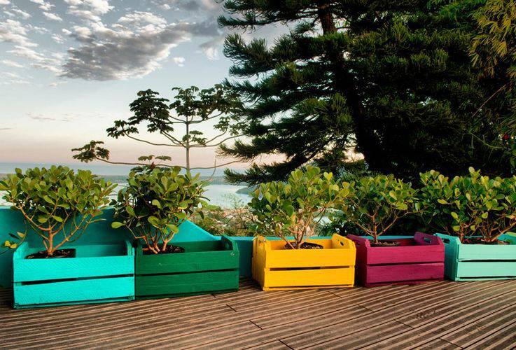 102181-jardim com caixotes coloridos -paola-simoni-viva-decora-102181