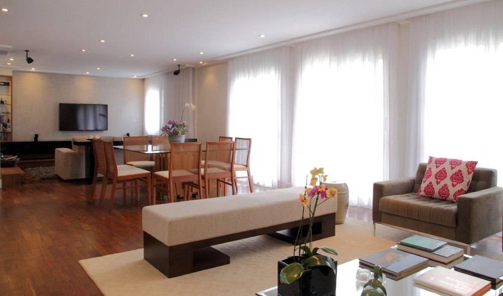 261 Cortinas de sala grande e espaçosa com mesa de jantar