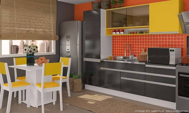 Cozinha colorida com detalhes amarelos Projeto de Lojas KD