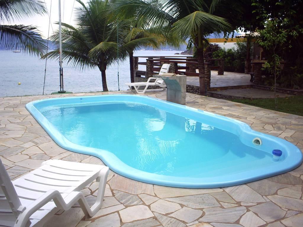 Modelo de piscinas modelos com deck de madeira with - Piscinas de fibra ...