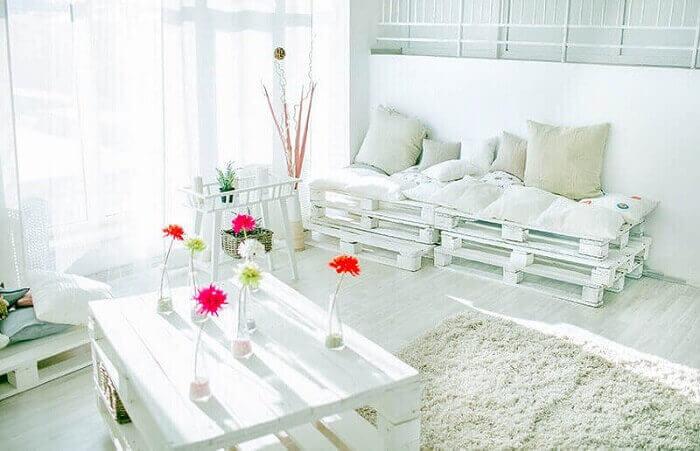Sofá de palete branco