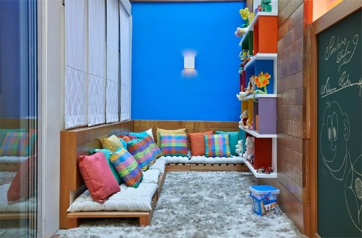 Sofá de palete no playground Projeto de Casa 3