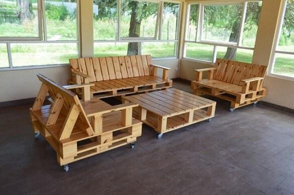 Sofá de palete sem almofadas