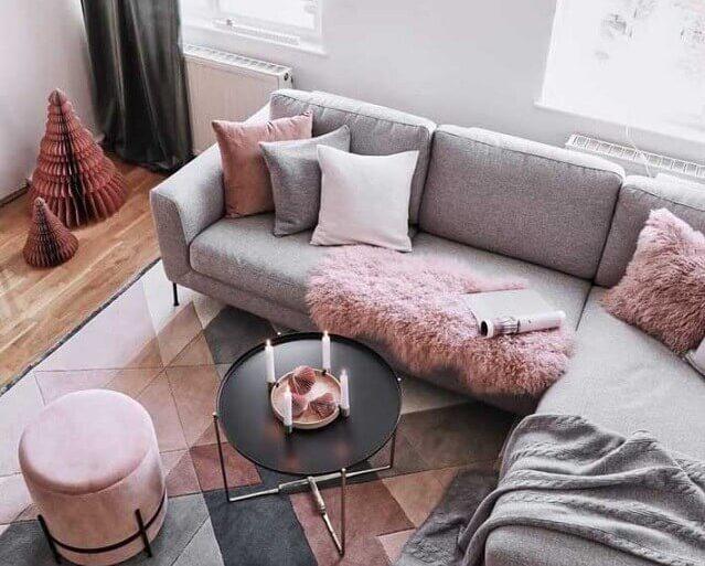 decoração com tapete para sala cinza e rosa Foto JERA Arquitetura e Engenharia