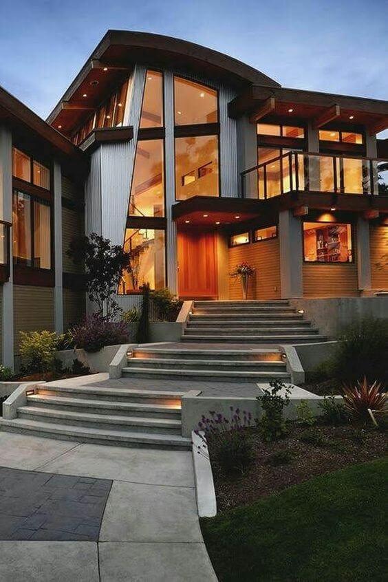 Fachadas modernas com janela de vidro