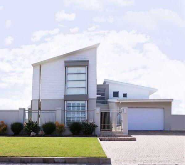 Fachadas modernas com muro bonito