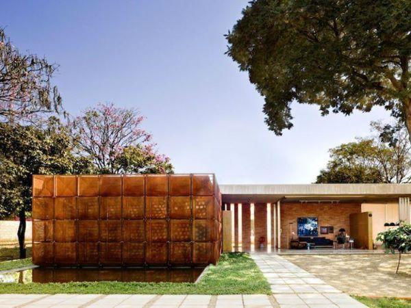 Fachadas modernas com muros diferentes