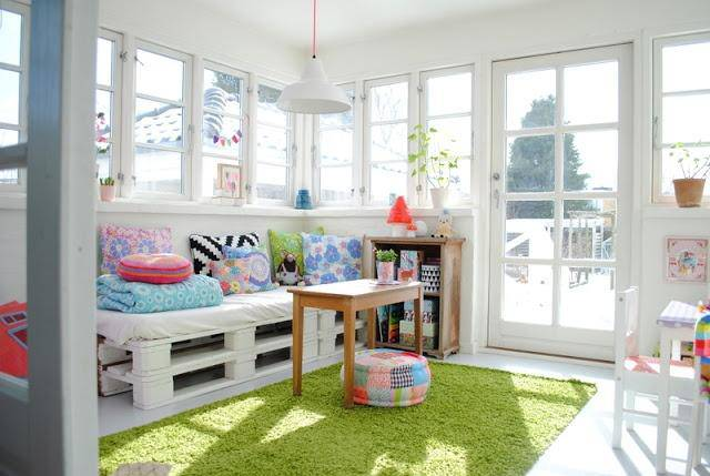 Sofá de Palete em ambiente infantil