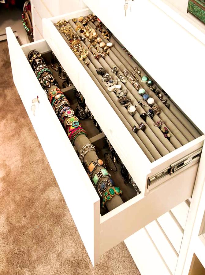 organização de aneis e pulseiras closet pequeno