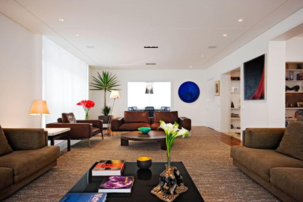 tapetes para sala grande marrom e branco amfb arquitetura 22669