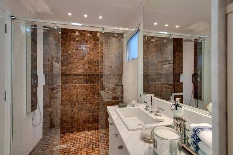 44 Banheiros Modernos + Dicas para Reforma -> Banheiro Moderno Madeira
