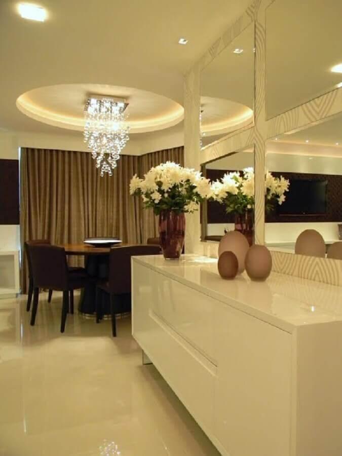 modelo branco de buffet para sala de jantar sofisticada