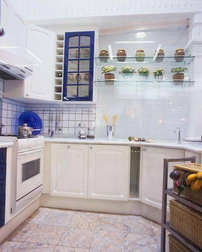 Cozinha compacta planejada Projeto de Ana Luisa Previde
