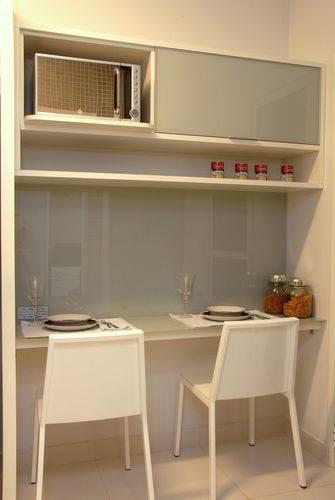 Cozinha compacta em cores claras Projeto de Teresinha Nigri