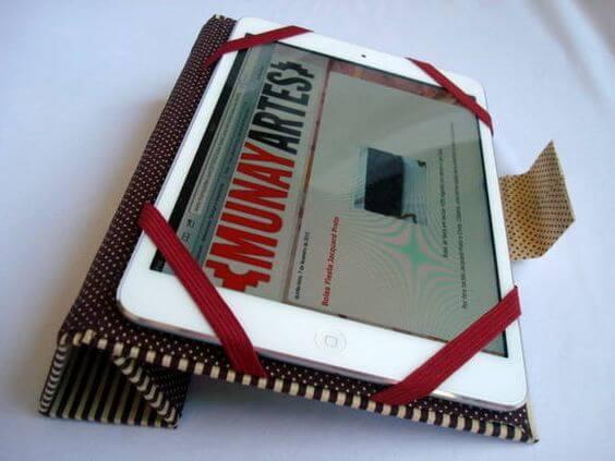 Artesanato com Caixa de Leite capa para tablet
