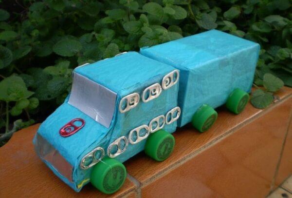 Construa um carrinho com caixas de leite
