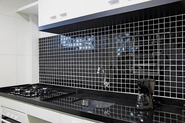 Pastilhas para cozinha na cor preta