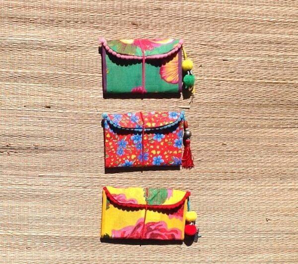 Artesanato com caixa de leite formam lindas carteiras