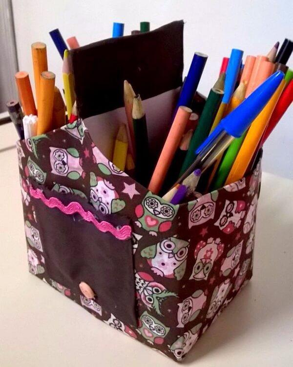 Forme um charmoso porta lápis de artesanato com caixa de leite