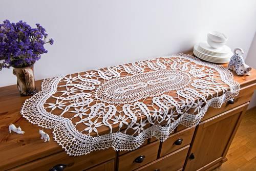 caminho de mesa de croche aparador