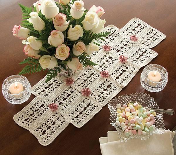 caminho de mesa de croche delicado