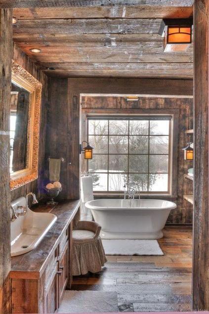 casas de madeira - banheiro de casa de madeira com janela