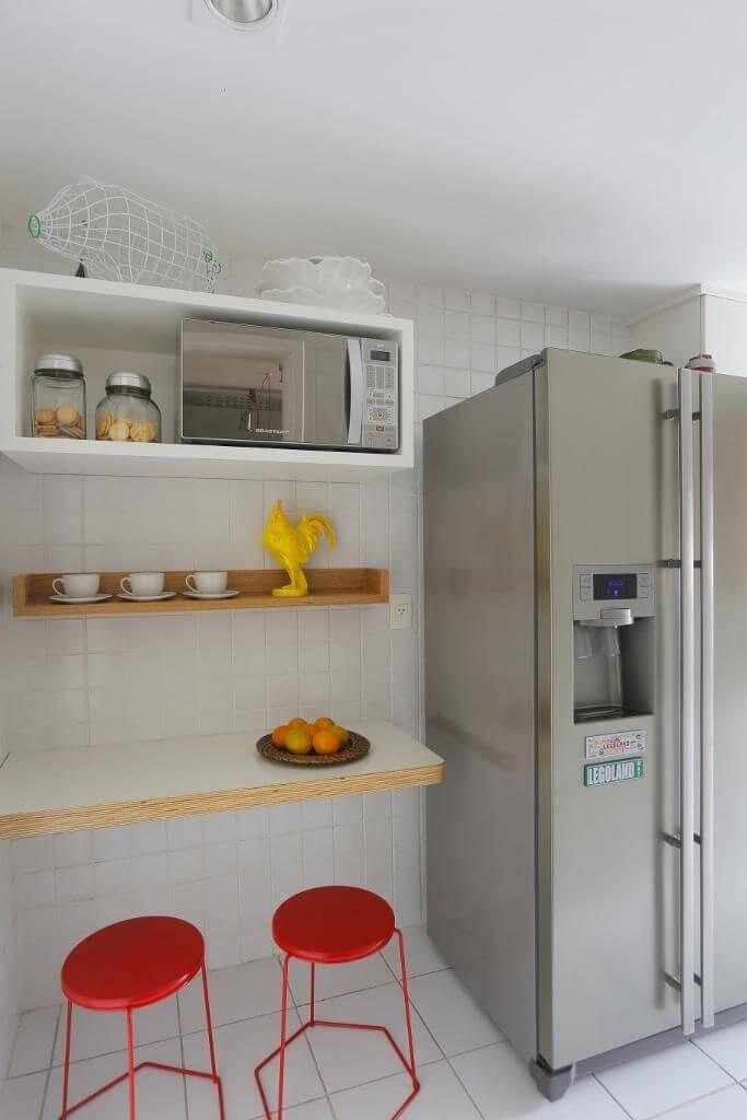 Cozinha compacta com estilo descolado Projeto de Ca Sa Arquitetura