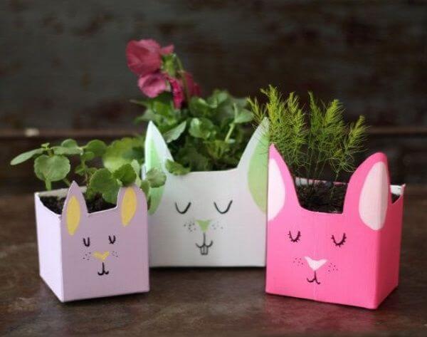 Vasos criativos feitos com caixa de leite