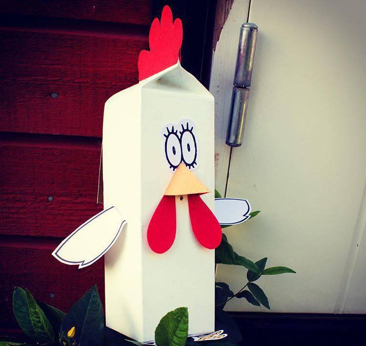 galinha de brinquedo Artesanato com Caixa de Leite