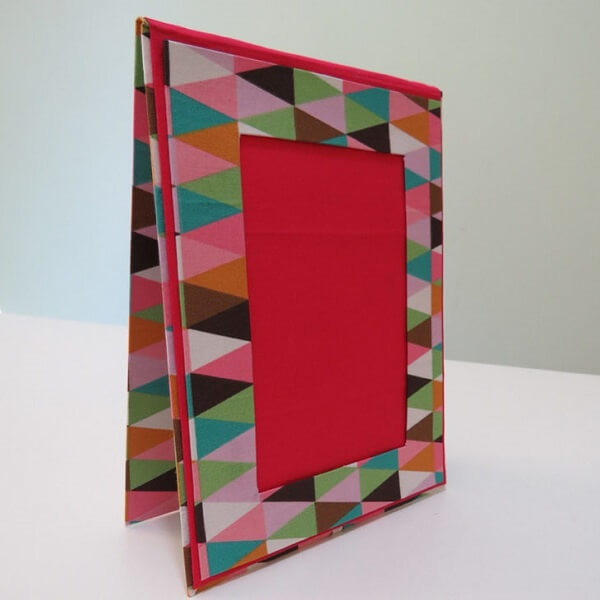 Porta retrato feito com caixa de leita e tecido estampado