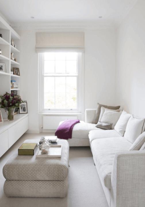 Sala De Estar Com Um Sofa ~ Sofá com Chaise em sala de estar com puffs como mesa de centro