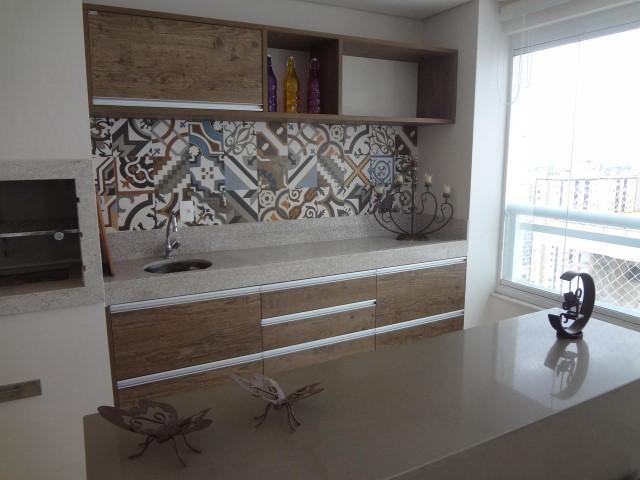 Adesivo de azulejo em varanda gourmet Projeto de Claudia de Freitas Marques