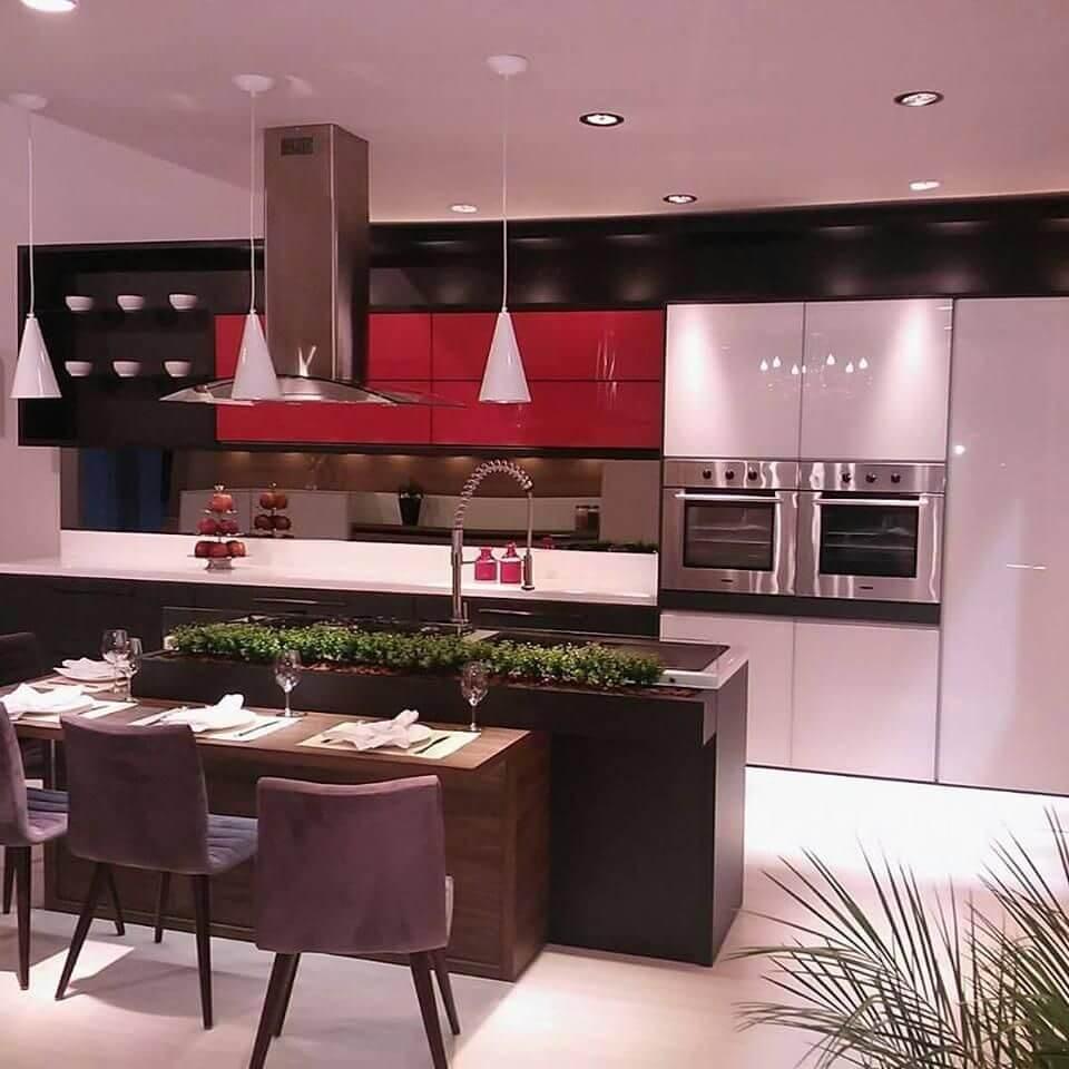 Cozinhas modernas com pendentes Projeto de Rosangela Romão