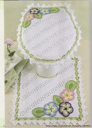 Jogo de banheiro de crochê com borda verde com fores