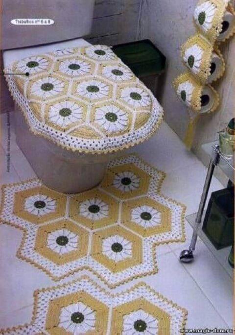 Jogo de banheiro de crochê com formato diferente