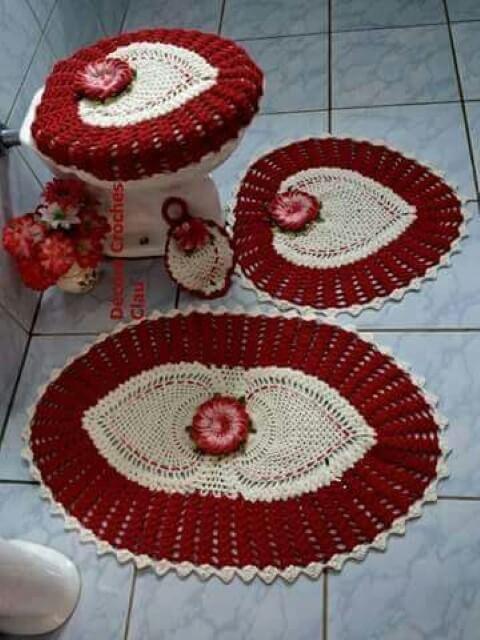 Jogo de banheiro de crochê vermelho com corações